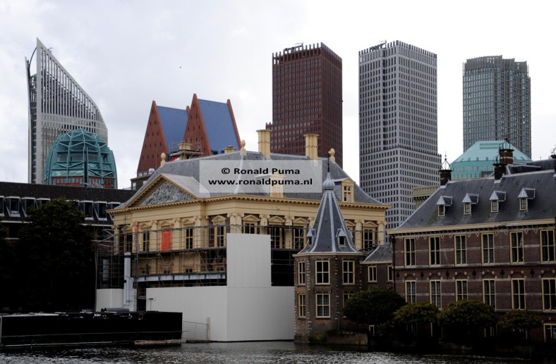 3.900 Skyline Den Haag (C) Ronald Puma