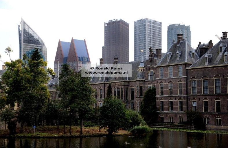 4.900 Skyline Den Haag (C) Ronald Puma