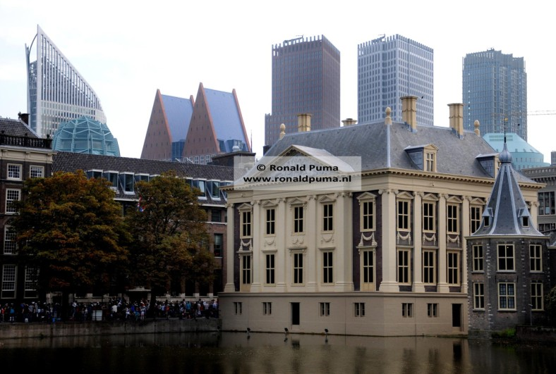 5.900 Skyline Den Haag (C) Ronald Puma