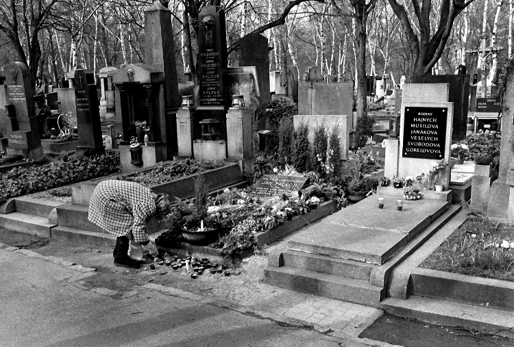 Grave Jan Palach 1990 Prague Czech Rep (C) Ronald Puma Netherlands 750