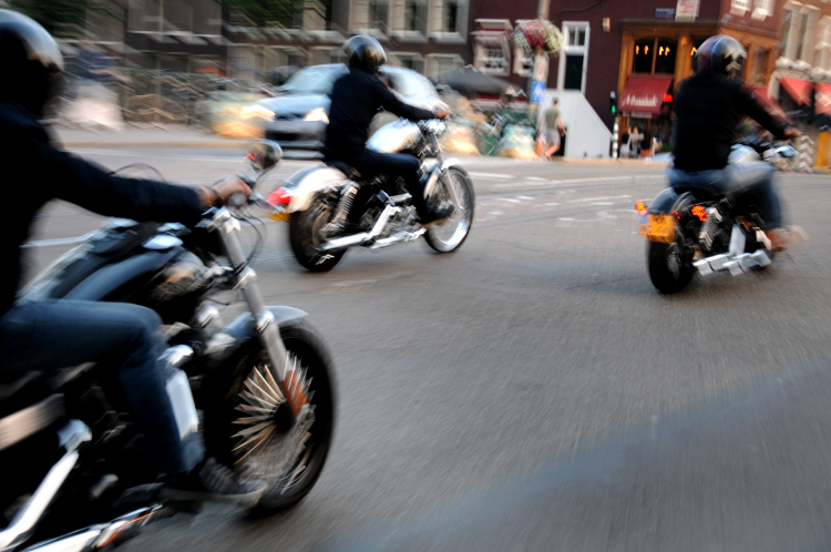 Motorbike (C) Ronald Puma 046.750
