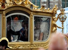De Gouden Koets met koningin Maxima en koning Willem Alexander.