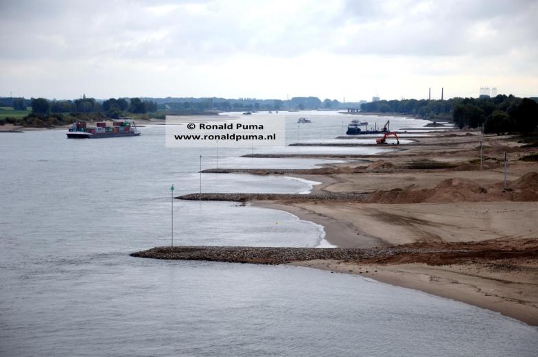 De Waal bij Ewijk. Op de achtergrond ligt Nijmegen.
