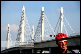 Zicht op de brug.