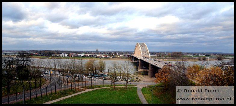 Nijmegen, zicht in noordelijke richting, Nijmegen-Lent.
