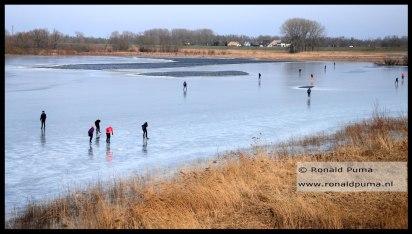 De Oude Waal is een buitendijkse waterplas langs de Waal.