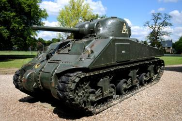 Photo 5 (Sherman tank) (Airborne Museum Oosterbeek).
