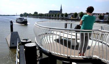 Kampen, 20 kilometer ten westen van Zwolle, ligt aan de IJssel.