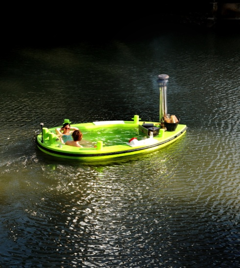 Rotterdam. Varende badkuip.