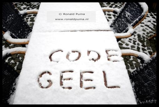Veel paniek om een beetje sneeuw. (C) Ronald Puma.