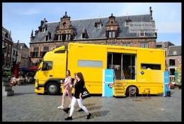 NPO radio 1, Nieuws & Co op de Grote Markt Nijmegen.