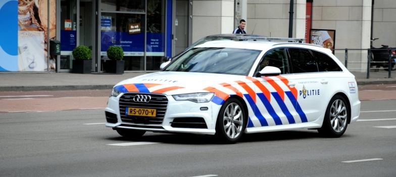 Snelle politieauto. Audi A6 Avant, 85.000 euro. Topsnelheid 250 km (voor achtervolgingen).