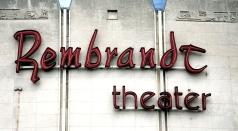 Rembrandt bioscoop. Gebouwd in 1954, nu vergane glorie, staat leeg.