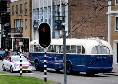 Trolleybus uit 1949. Elektrisch rijden. Uitleg: https://wp.me/pxVaI-1zL