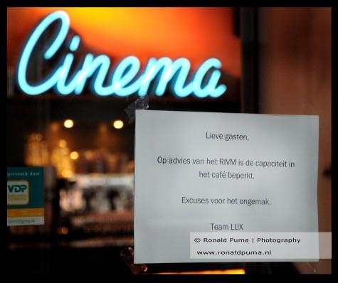 Na de live uitgezonden persconferentie om 17.30 werden bioscopen en horeca verplicht gesloten om 18.00 uur.