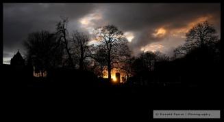 De zon gaat onder in Nijmegen (C) Ronald Puma