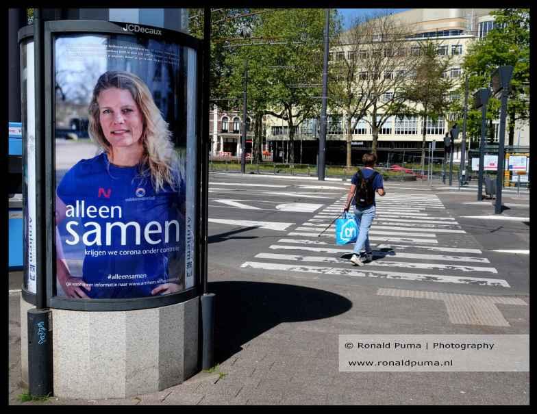 Overheidscampagne in busstation.