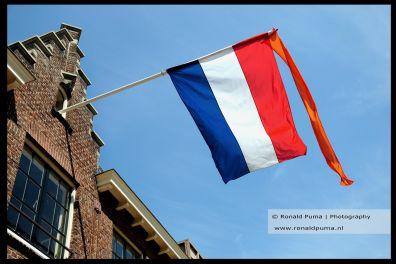 De vlag hangt uit, maar feest is het niet.
