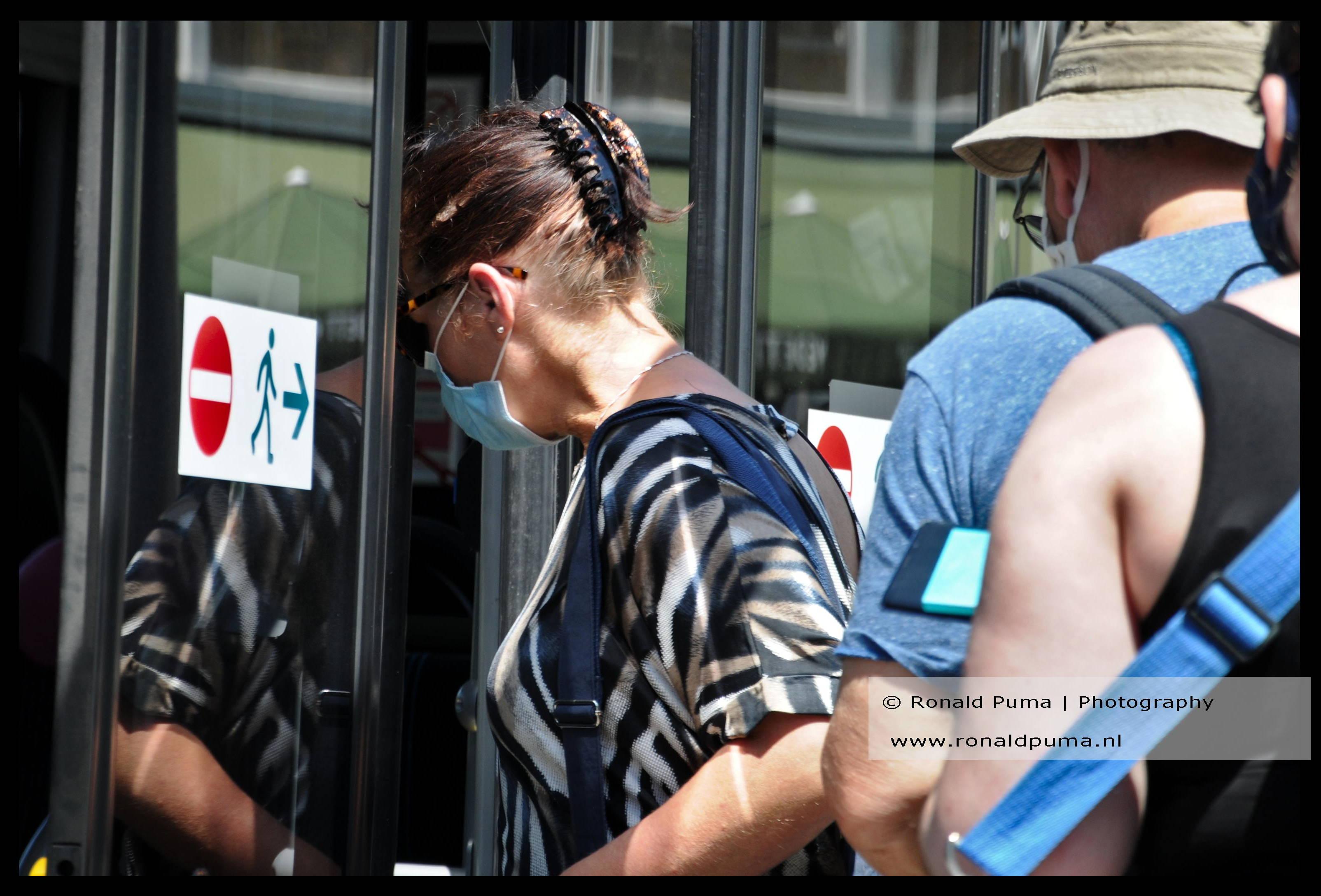 Mondkapje verplicht in openbaar vervoer.